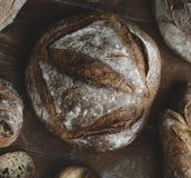 Un assortiment d'idées de recette de photographie de nourriture de pains de pain Images stock