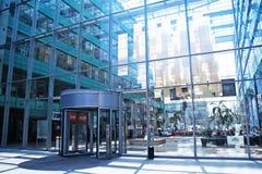 Atrio di vetro moderno fotografia stock