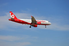 Un atterrissage d'Airbus Photos stock