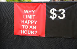Un aucun signe d'heure heureuse de limite, $3 Photos libres de droits