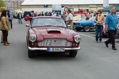 Un'automobile sportiva Aston Martin DB4 (Superleggera) Fotografie Stock