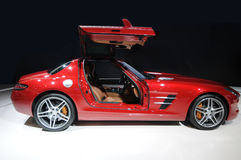 Un'automobile sportiva rossa Fotografia Stock