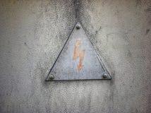 Un avertissement de signe des dangers de l'électrocution photographie stock
