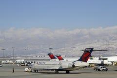 Un avion à l'aéroport de Salt Lake City Images libres de droits
