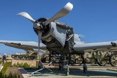 Un avion de combat sur l'affichage au musée de guerre d'El-Alamein en Egypte photos stock