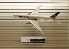 Un avion modèle à l'aéroport de Tokyo Haneda Image stock
