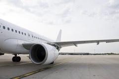 Un avion stationné Photo libre de droits