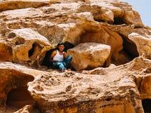 Un bédouin dans la caverne image libre de droits
