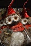 Un búho divertido, un juguete del Año Nuevo Foto de archivo libre de regalías