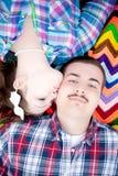 Un bacio sulla guancica Fotografie Stock Libere da Diritti