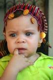 Un bambino con la sua sciarpa Fotografia Stock Libera da Diritti