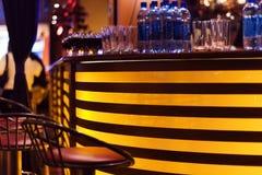 Un bar élégant de nuit Images libres de droits