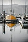 Un barco amarillo 1 Imagen de archivo