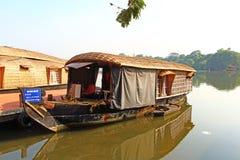 Un barco de casa Remansos de Kerala Fotografía de archivo libre de regalías