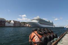 Barco de cruceros en Stavanger Foto de archivo libre de regalías