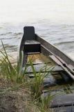 Un barco de madera en el lago Fotografía de archivo libre de regalías