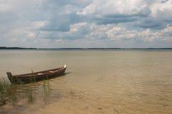 Un barco solo Foto de archivo
