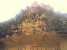 Un bas-relief dans un tympan chez Banteay Srei Images stock