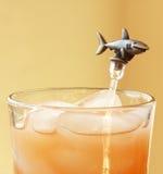Un bastone di Swizzle dello squalo Fotografia Stock Libera da Diritti