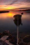 Un bateau au pilier Image stock