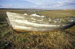 Un bateau détruit dans Chincoteague, la Virginie Photographie stock libre de droits