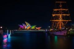 Un bateau grand à Sydney vif Photo libre de droits