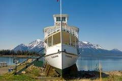 Un bateau historique d'excursion sur l'affichage à l'atlin Images libres de droits