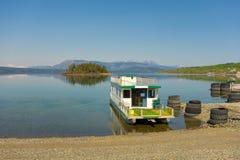 Un bateau-maison à l'une station de vacances de rv dans du nord avant Jésus Christ Photo stock