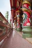 Un beau couloir dans le temple chinois Photographie stock