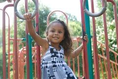 Un bel enfant de chemin mélangé photographie stock