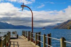 Un bello giorno nel lago blu Fotografia Stock Libera da Diritti
