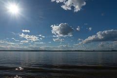 Un bello giorno sul fiume Fotografie Stock