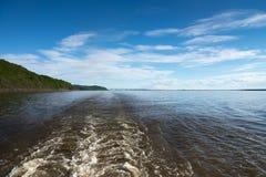 Un bello giorno sul fiume Fotografie Stock Libere da Diritti