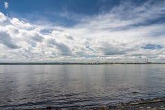 Un bello giorno sul fiume Immagine Stock