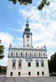 Un bello municipio di rinascita sul quadrato del mercato in mno del 'di CheÅ, Polonia Fotografie Stock