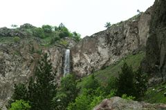 Un bello paesaggio della montagna Turismo di estate fotografia stock libera da diritti