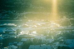 Un bello paesaggio di mattina di Roros Posto del patrimonio mondiale Città storica in Norvegia centrale Immagine Stock