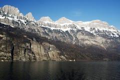 Un bello scenics delle montagne e dei laghi nelle alpi Svizzera Fotografia Stock