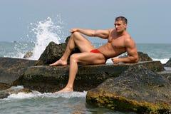 Un bello, uomo del muscolo Fotografia Stock Libera da Diritti