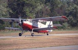 Un biplano saca fotos de archivo libres de regalías