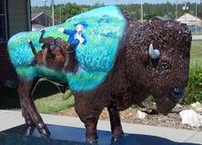 Un bisonte falso su un piedistallo a cody, Wyoming Fotografia Stock