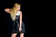 Un blonde en un vestido agradable Fotos de archivo libres de regalías