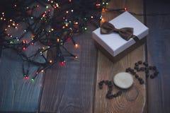 Un boîte-cadeau et une inscription 2108 Photo libre de droits