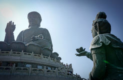 Un Bodhisattva fait une proposition au grand Bouddha à l'île de tau de LAN, Hong Kong Image libre de droits