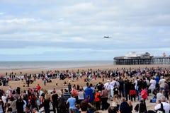 Un bombardier de Vulcan au-dessus de pilier de Blackpool Photos stock