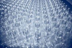Un bon nombre de bouteilles en plastique Photo stock