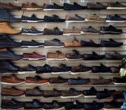 Un bon nombre de chaussures Photos stock