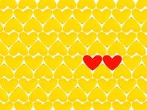 Un bon nombre de coeurs et de rouge deux jaunes Photographie stock libre de droits