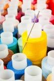 Un bon nombre de différents amorçages de couleur Photo stock