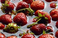 Un bon nombre de fraises photos stock